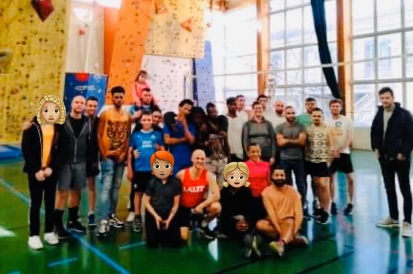 Après-midi sportif avec les jeunes du refuge !